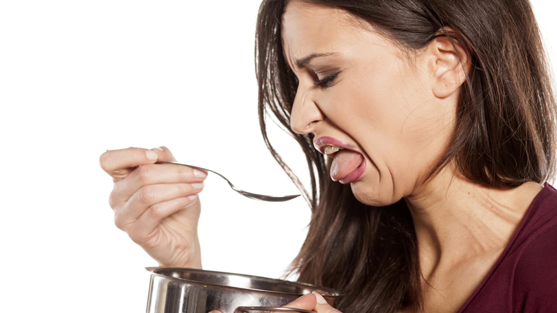 запах крови во рту на голодный желудок